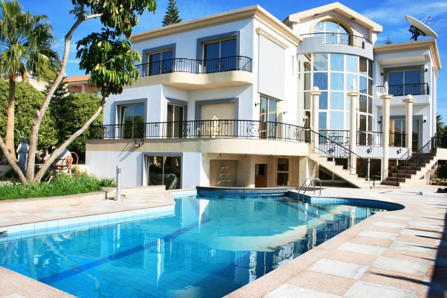 Quest ce qu 39 une villa chercher maison projet immobilier for Acheter une maison en region parisienne